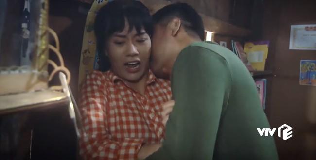 Lộ clip Quỳnh Búp Bê bị bố dượng hãm hiếp trong quá khứ đầy kinh hoàng - Ảnh 5.