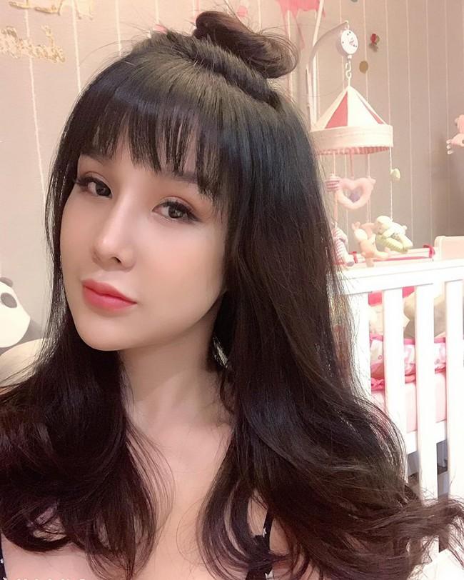 Mới sinh được 2 tuần, Diệp Lâm Anh đã khiến fan bất ngờ với  sắc vóc mẹ 1 con rạng rỡ, gợi cảm  - Ảnh 7.