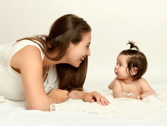 Có 2 hành vi của cha mẹ khiến trẻ chậm nói, cần phải sửa ngay không hối chẳng kịp - Ảnh 4.