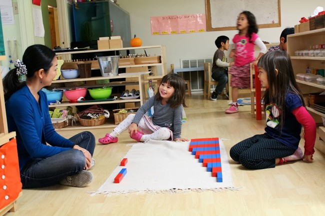 """Thay vì nói """"Con làm tốt lắm"""", đây là 9 câu nói mà các giáo viên Montessori thường dùng - Ảnh 2."""