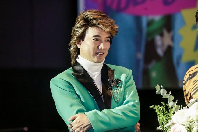 Đàm Vĩnh Hưng mời cả showbiz đóng MV, khẳng định vẫn còn ở đỉnh vinh quang - Ảnh 6.