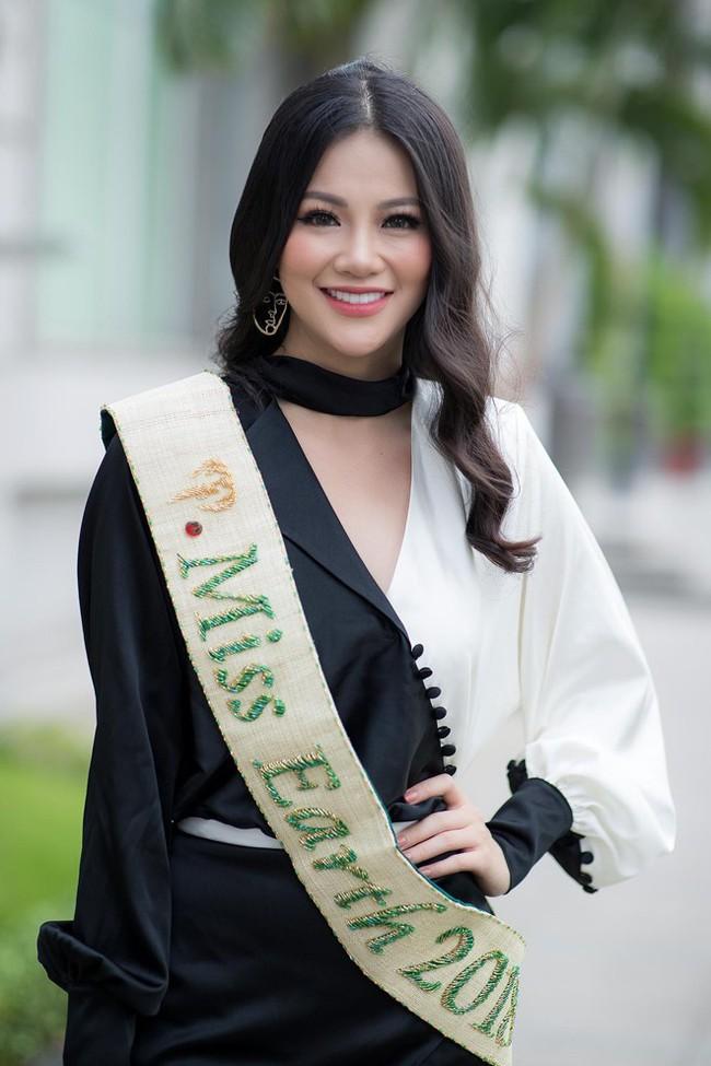 Phương Khánh và Hương Giang: 2 Hoa hậu chiến thắng oanh liệt đã có cuộc đối đầu nảy lửa - Ảnh 1.
