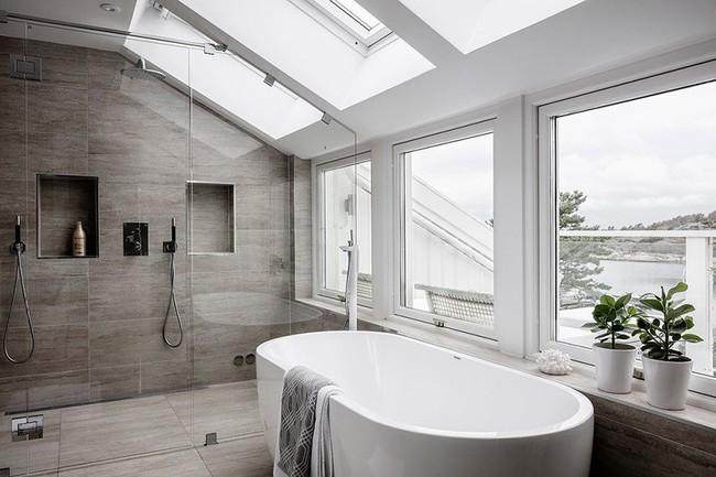 Cứ nhẹ nhàng, đơn giản như những căn phòng tắm Scandinavian cũng đủ khiến biết bao người phải say đắm - Ảnh 13.