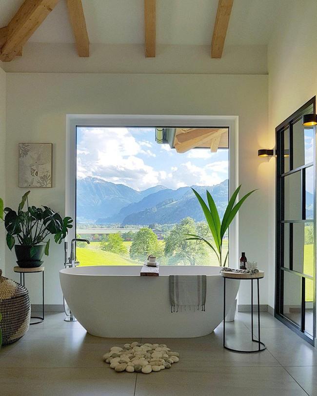 Cứ nhẹ nhàng, đơn giản như những căn phòng tắm Scandinavian cũng đủ khiến biết bao người phải say đắm - Ảnh 2.