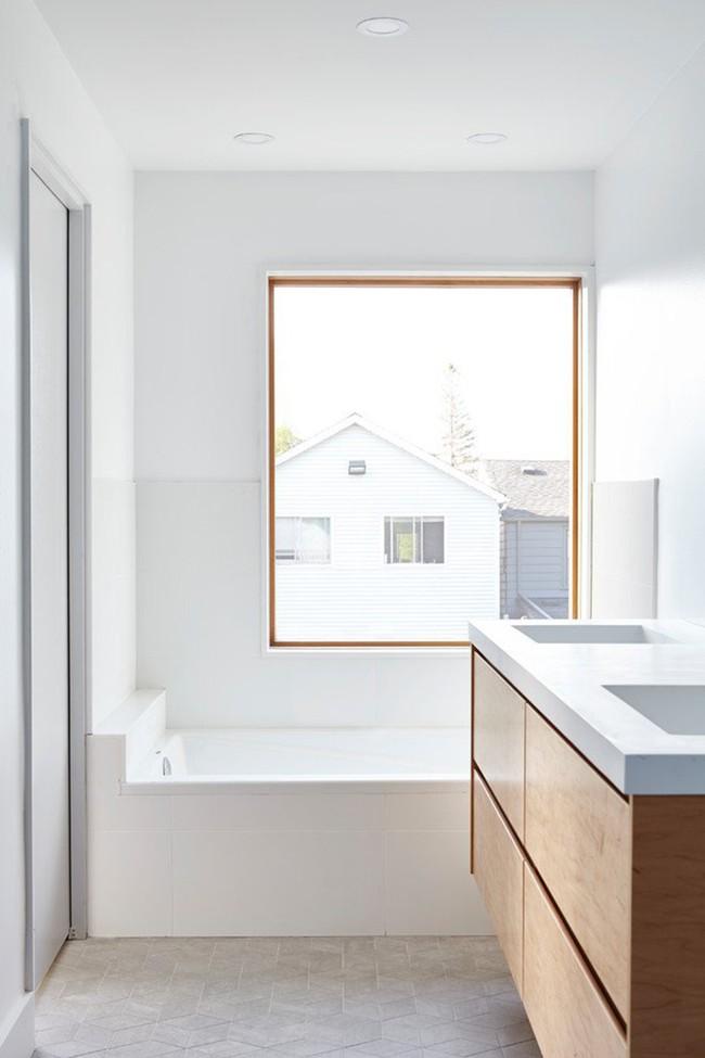 Cứ nhẹ nhàng, đơn giản như những căn phòng tắm Scandinavian cũng đủ khiến biết bao người phải say đắm - Ảnh 4.