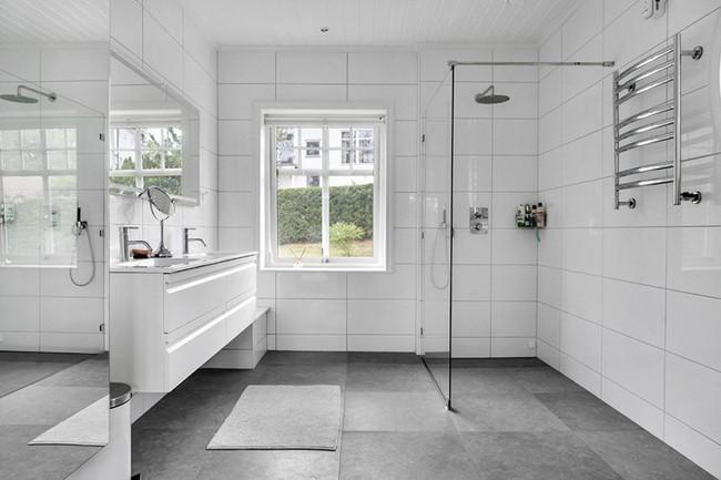 Cứ nhẹ nhàng, đơn giản như những căn phòng tắm Scandinavian cũng đủ khiến biết bao người phải say đắm - Ảnh 8.