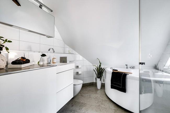 Cứ nhẹ nhàng, đơn giản như những căn phòng tắm Scandinavian cũng đủ khiến biết bao người phải say đắm - Ảnh 9.