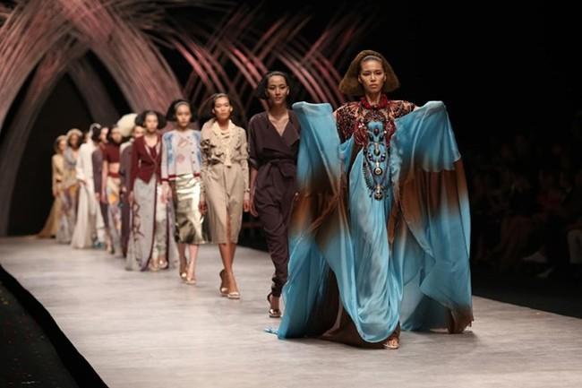 Vietnam International Fashion Week tiếp tục bị loạt người mẫu tố chậm tiền: Thu/Đông đã qua mà catxe mùa Xuân/Hè vẫn chưa thấy! - Ảnh 6.