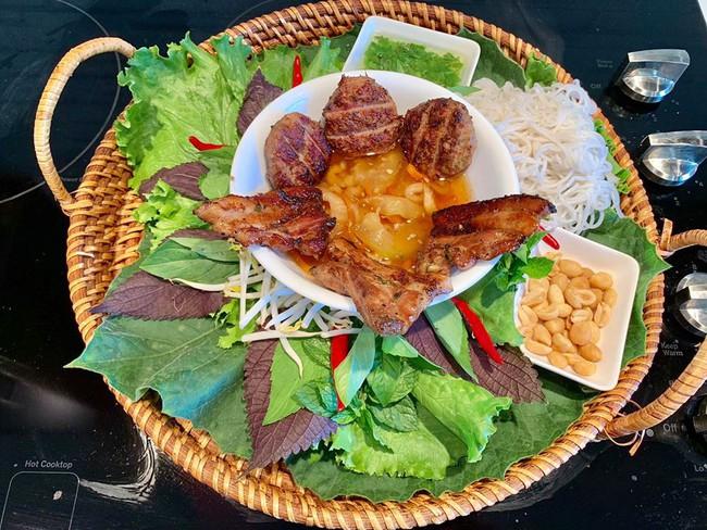 Gặp gỡ người đàn ông Việt ở trời Tây có những món ăn hút nghìn like của cộng đồng mạng - Ảnh 8.