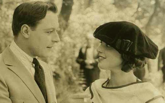 Cái chết bí ẩn của nữ diễn viên xinh đẹp khiến danh hài nổi tiếng điêu đứng, hé lộ bí mật đen tối ở Hollywood - Ảnh 7.