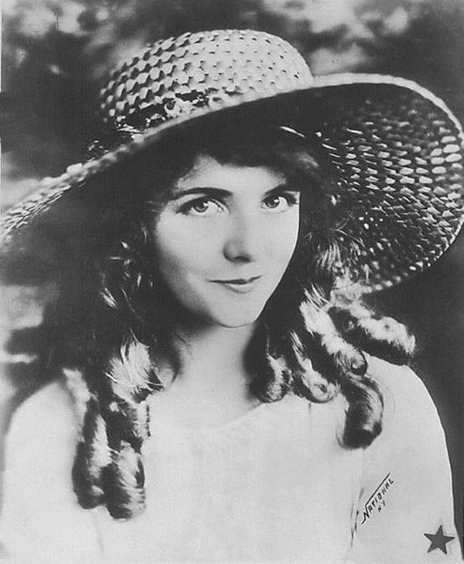 Cái chết bí ẩn của nữ diễn viên xinh đẹp khiến danh hài nổi tiếng điêu đứng, hé lộ bí mật đen tối ở Hollywood - Ảnh 6.