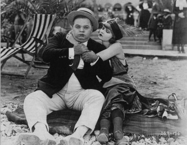 Cái chết bí ẩn của nữ diễn viên xinh đẹp khiến danh hài nổi tiếng điêu đứng, hé lộ bí mật đen tối ở Hollywood - Ảnh 10.
