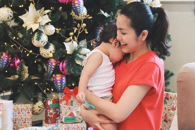 Một bà mẹ nổi tiếng và giàu có thuộc hàng đại gia như Tăng Thanh Hà thì nuôi con như thế nào? - Ảnh 2.