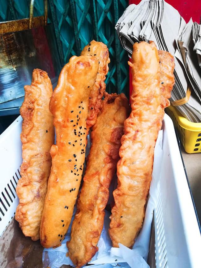 Lạnh rồi, rủ nhau đến những hàng bánh chuối ngon ở Hà Nội này ngay thôi, 1 hàng bánh tí hon nhưng chất khỏi bàn - Ảnh 6.