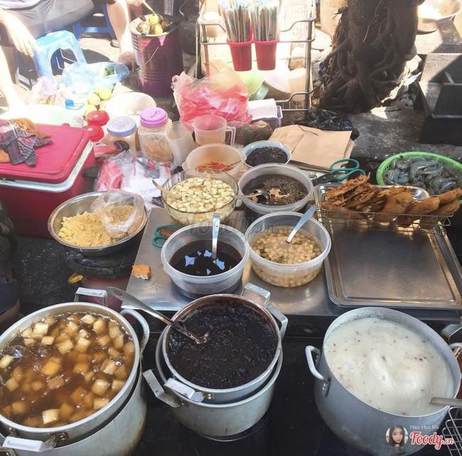 Lạnh rồi, rủ nhau đến những hàng bánh chuối ngon ở Hà Nội này ngay thôi, 1 hàng bánh tí hon nhưng chất khỏi bàn - Ảnh 10.