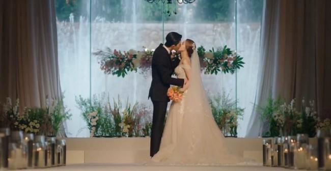 Đêm tân hôn mẹ chồng giàu có bỗng lao vào phòng đòi kiểm tra, con dâu choáng váng bỏ đi trong nước mắt - Ảnh 1.