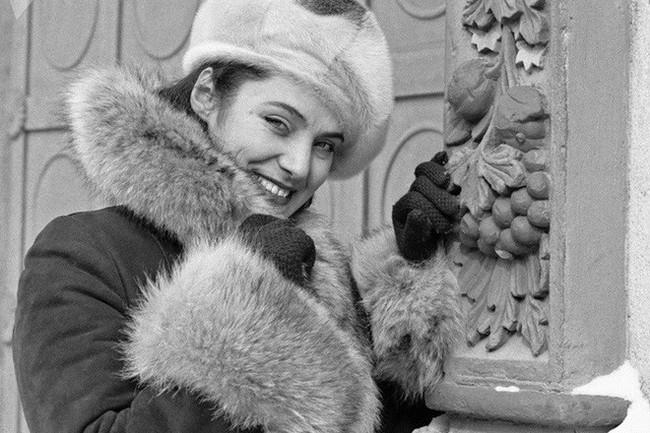 Bất ngờ về thời trang thanh lịch và gợi cảm của phụ nữ Liên Xô - Ảnh 13.