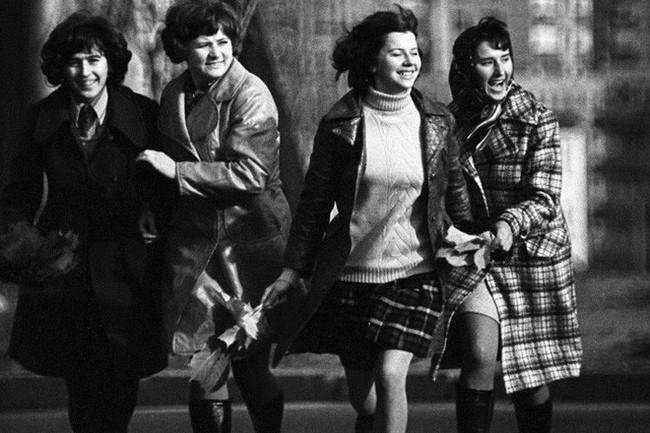Bất ngờ về thời trang thanh lịch và gợi cảm của phụ nữ Liên Xô - Ảnh 6.