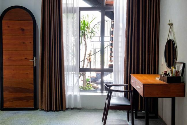 Ở đất Quảng Bình đầy nắng và gió vẫn xuất hiện ngôi nhà đẹp hoàn mỹ dù chỉ dùng gạch xây nhà để trang trí - Ảnh 12.