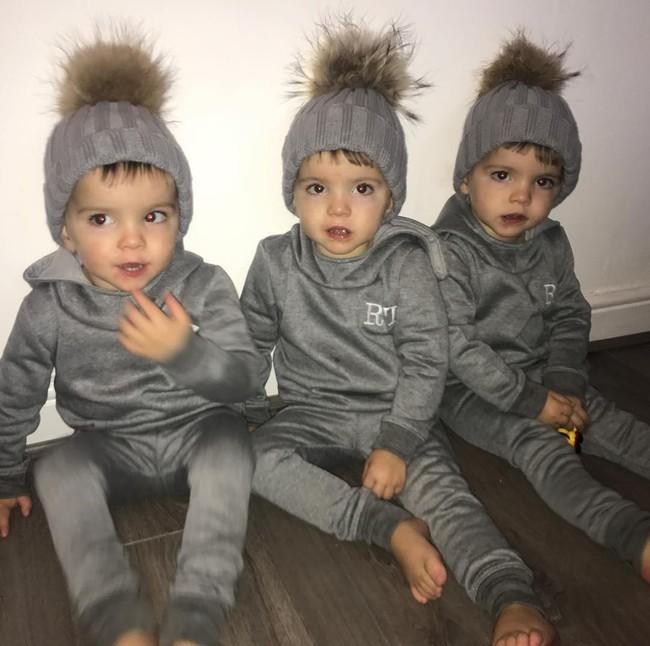 Hiếm thấy: Cặp sinh ba tự nhiên cùng gen, giống nhau như 3 giọt nước, đến bố mẹ cũng khó phân biệt - Ảnh 19.