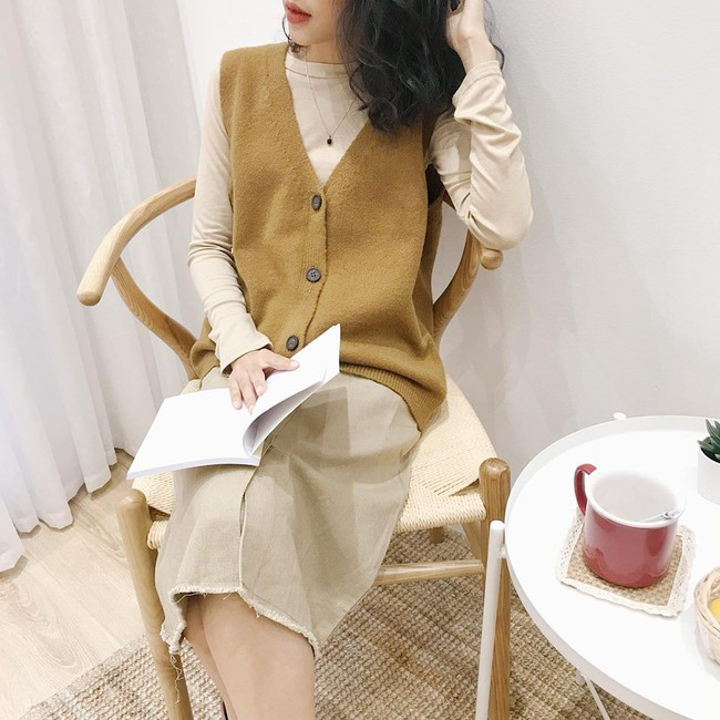 18 mẫu áo len mỏng đến từ các thương hiệu Việt khiến bạn say như điếu đổ và muốn sắm ngay trong mùa lạnh này - Ảnh 10.