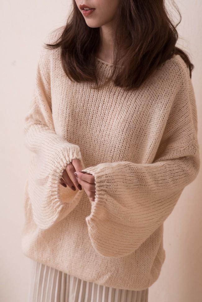 18 mẫu áo len mỏng đến từ các thương hiệu Việt khiến bạn say như điếu đổ và muốn sắm ngay trong mùa lạnh này - Ảnh 3.