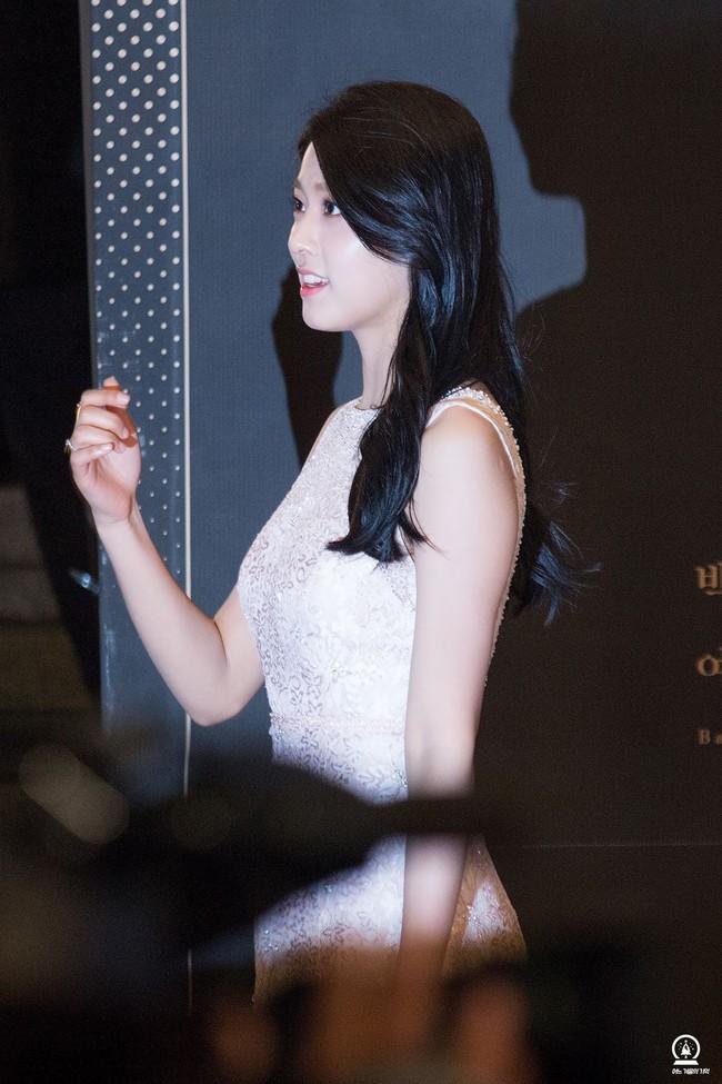 Màn lột xác thần thái ngoạn mục của báu vật quốc dân Seolhyun sau 3 năm: Mỹ nhân ngây thơ thành bà hoàng thảm đỏ - Ảnh 4.