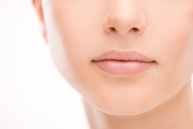 5 dấu hiệu trên khuôn mặt tiết lộ sự thiếu hụt các chất dinh dưỡng mà bạn chỉ cần nhìn vào gương là thấy - Ảnh 4.