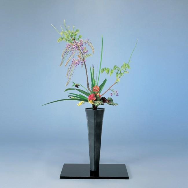Ikebana - Nghệ thuật cắm hoa kết tinh từ triết lý sống của người dân đất nước Nhật Bản - Ảnh 2.