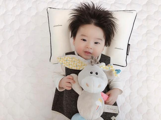 Cậu bé Hàn Quốc với quả đầu chôm chôm đáng yêu đến mức ai cũng muốn đem về nuôi - Ảnh 12.