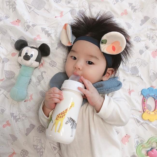 Cậu bé Hàn Quốc với quả đầu chôm chôm đáng yêu đến mức ai cũng muốn đem về nuôi - Ảnh 8.