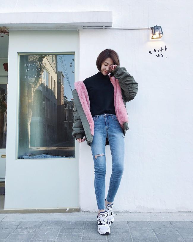 """Kết hợp cực """"ngọt"""" với mọi set đồ, sneakers chính là đôi giày phải sắm trong mùa đông năm nay - Ảnh 6."""