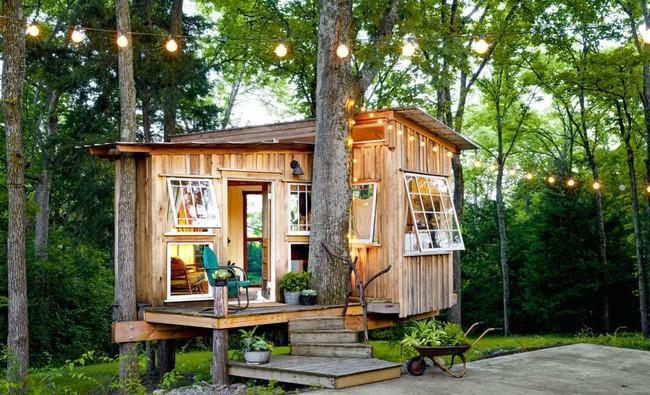 Ngôi nhà đặc biệt chỉ vỏn vẻn 10m² nhưng lại là mái ấm vô cùng hạnh phúc của gia đình 3 người - Ảnh 1.