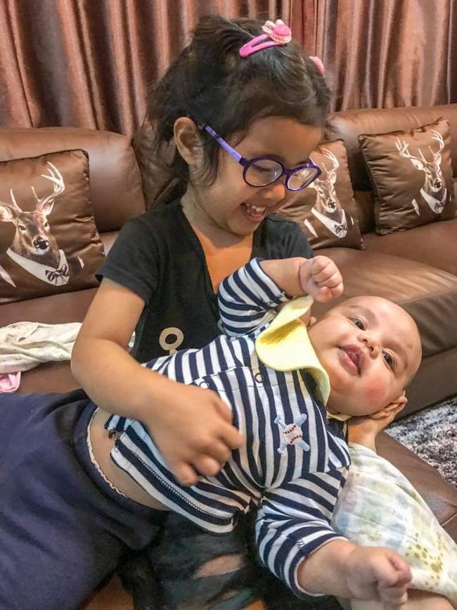 Con gái mới 4 tuổi đã bị mất thị lực suýt mù mắt, ông bố khẩn thiết cảnh báo khiến nhiều phụ huynh giật mình thon thót - Ảnh 9.