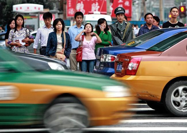 Gia đình Trung Quốc bị hơn 100 vụ tai nạn giao thông trong 6 năm và lý do đằng sau - Ảnh 2.