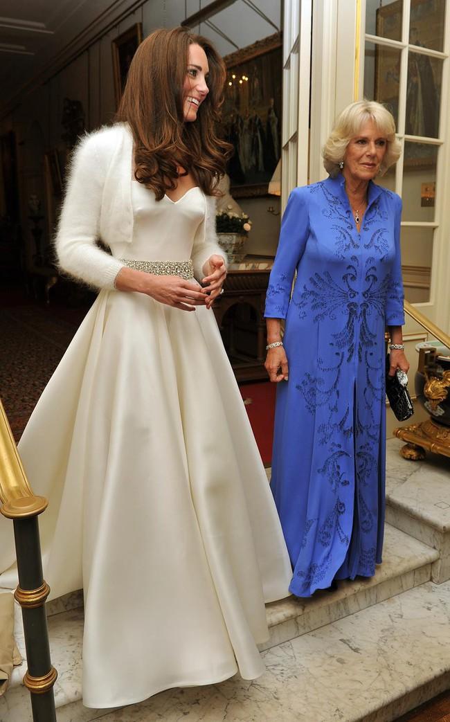 Bí mật động trời trong đám cưới William - Kate: Kate trái lệnh Hoàng gia để làm điều này nhưng lý do đằng sau lại quá đỗi ngọt ngào - Ảnh 6.