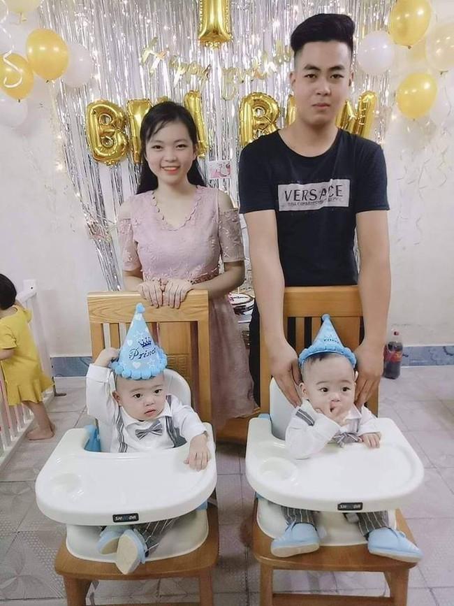 Hành trình giành giật sự sống của cặp sinh đôi chào đời ở tuần 30, phổi bị xẹp không thể tự thở - Ảnh 1.