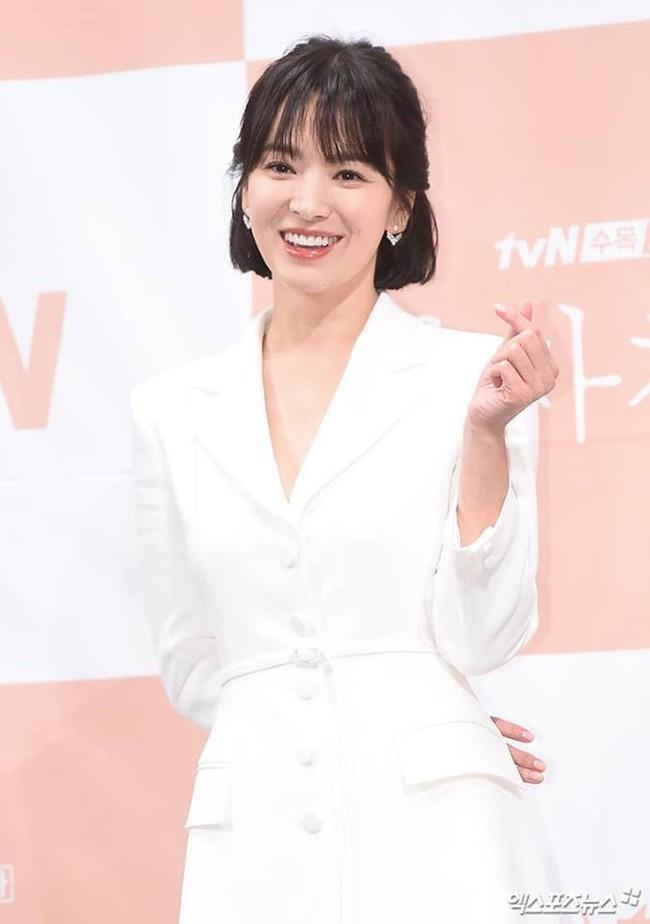 Cứ ngưỡng mộ Song Hye Kyo đã U40 mà vẫn trẻ trung, nào biết cô còn nhờ vào 6 tips làm đẹp giản đơn này - Ảnh 8.