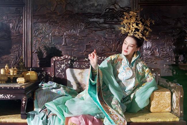 Quả báo của một nô tì phản chủ cướp chồng: bị Hoàng đế bắt khỏa thân trước trăm quan, chết trong đau đớn tủi nhục - Ảnh 6.