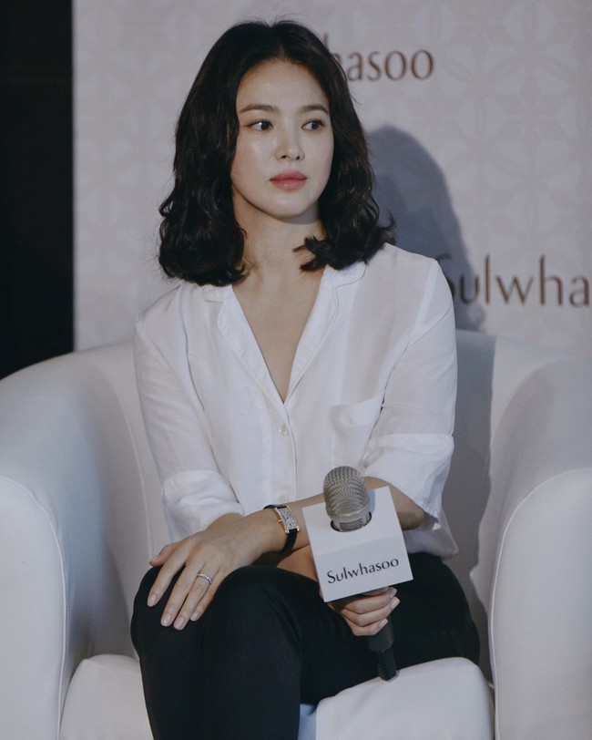Cứ ngưỡng mộ Song Hye Kyo đã U40 mà vẫn trẻ trung, nào biết cô còn nhờ vào 6 tips làm đẹp giản đơn này - Ảnh 5.