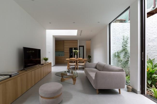 Xây từ miếng đất nhiều nhược điểm, ngôi nhà 85m² ở Hà Nội này vẫn được trầm trồ khen vừa đẹp, vừa xanh - Ảnh 4.