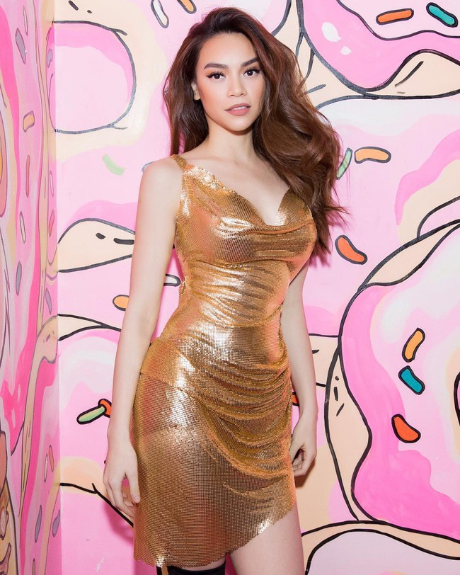 """Khi sao nữ Việt cùng diện đầm trễ nải: Người sexy """"ná thở"""", người lộ ngay thân hình gầy đét - Ảnh 3."""
