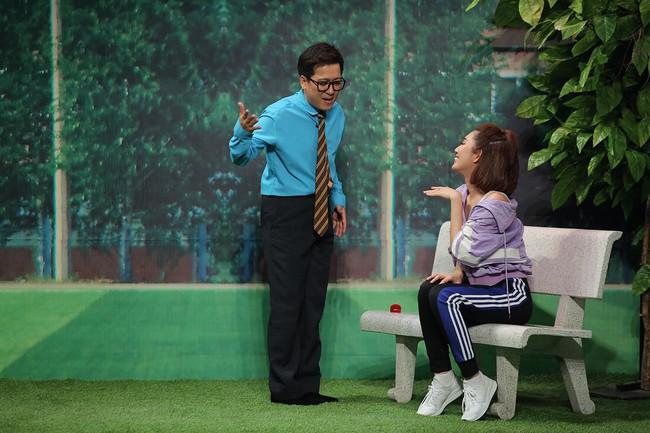 Không chỉ hôn tay, Trường Giang còn ôm ấp tình cảm với Thúy Ngân  - Ảnh 7.