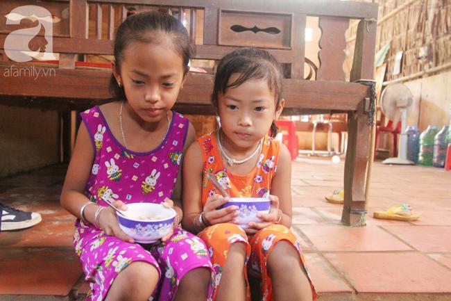 Xót cảnh mẹ bị câm điếc ú ớ rồi chết, hai đứa trẻ 6 và 9 tuổi mồ côi mẹ không có tiền đi học - Ảnh 13.