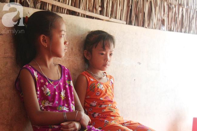 Xót cảnh mẹ bị câm điếc ú ớ rồi chết, hai đứa trẻ 6 và 9 tuổi mồ côi mẹ không có tiền đi học - Ảnh 11.