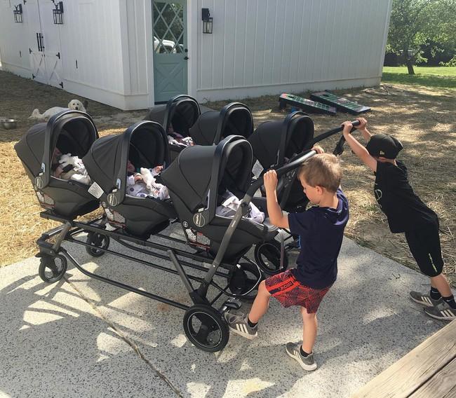 """Cuộc sống siêu bận rộn của gia đình sinh 6 em bé """"đẹp tựa thiên thần - Ảnh 19."""
