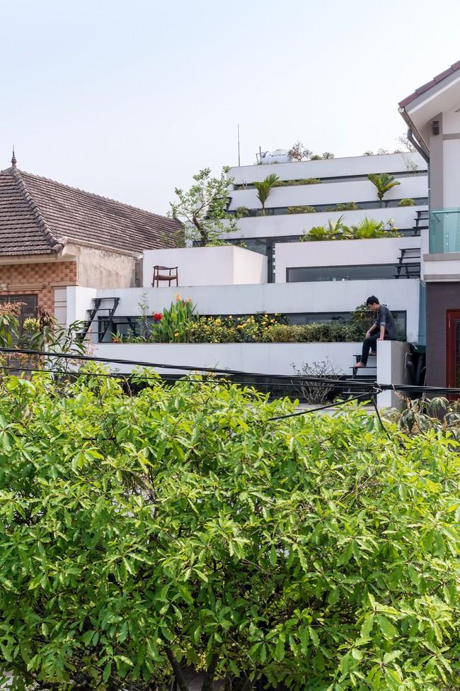 Cận cảnh ngôi nhà có ruộng bậc thang ngay mặt tiền đạt nhiều giải thưởng kiến trúc lớn ở Hà Tĩnh - Ảnh 16.