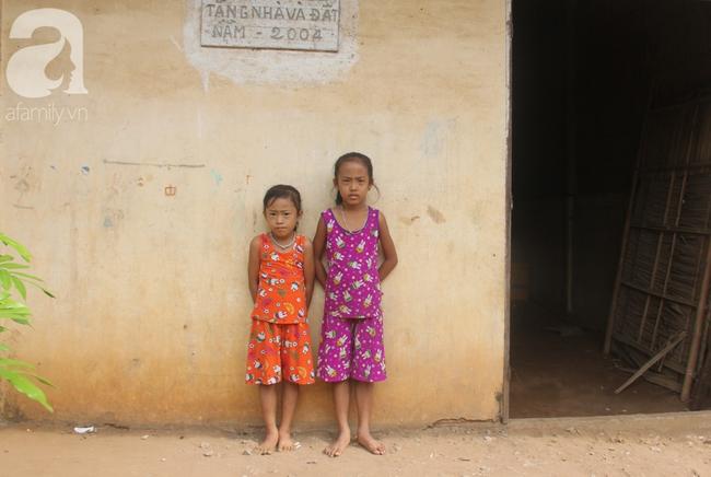 Xót cảnh mẹ bị câm điếc ú ớ rồi chết, hai đứa trẻ 6 và 9 tuổi mồ côi mẹ không có tiền đi học - Ảnh 10.