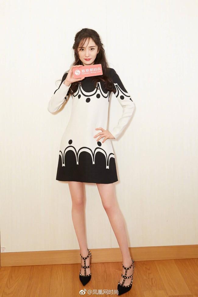 Dương Mịch - Song Joong Ki chung 1 khung hình: Chênh có 1 tuổi mà người như đôi mươi, người xuống sắc đều vì kiểu tóc - Ảnh 7.