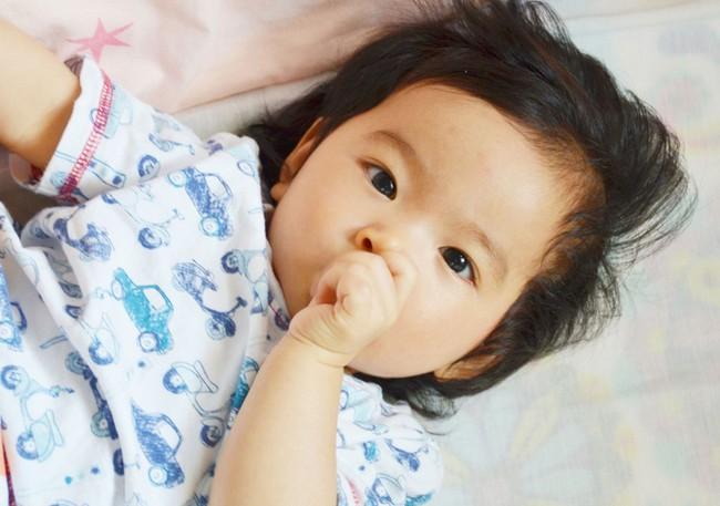 Những thói quen tưởng vô hại nhưng nếu không điều chỉnh sớm sẽ khiến răng trẻ xô lệch, khấp khểnh - Ảnh 2.
